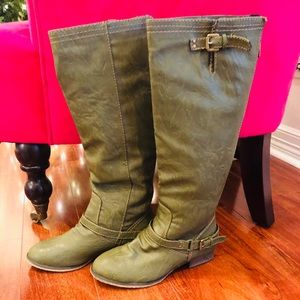 Breckelle's Riding Boots in Green